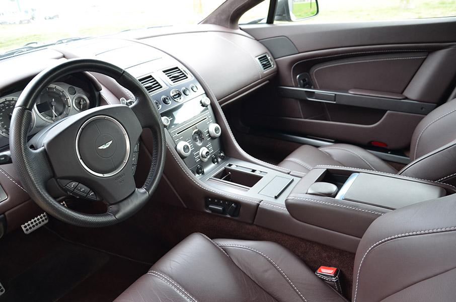 aston martin vantage location de voiture de luxe starge location. Black Bedroom Furniture Sets. Home Design Ideas
