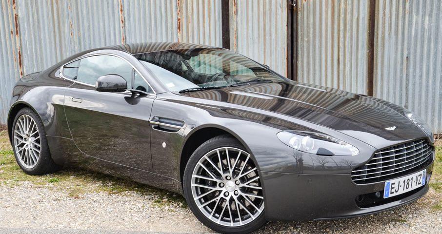 Location voiture Aston Martin Vantage, location possible chez Starge Location.