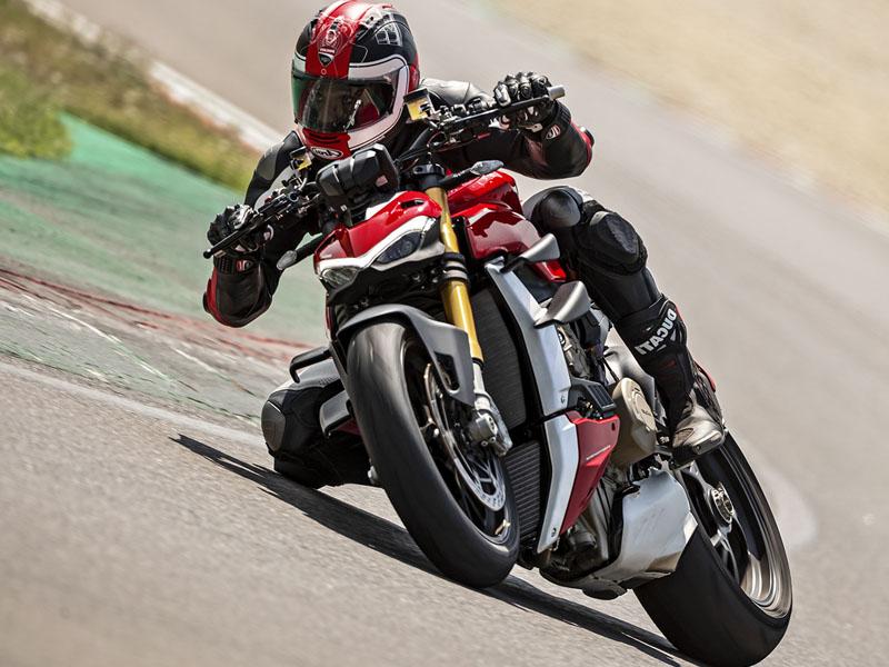 Ducati_Streetfighter_V4_S_1_800x600