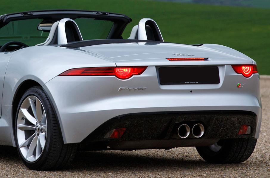 Arrière de la Jaguar F-Type S Cabriolet, location voiture Jaguar chez Starge Location